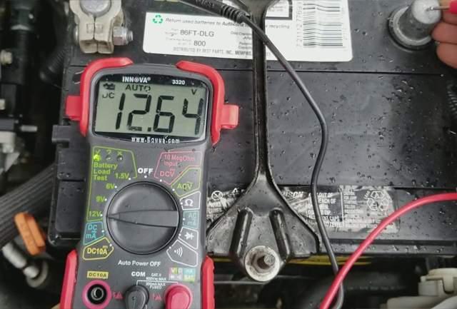 Akkumulator - LED táplálás