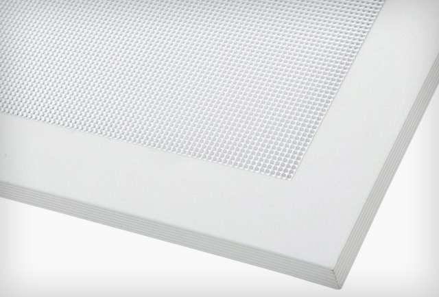 Alacson UGR értékű LED panel